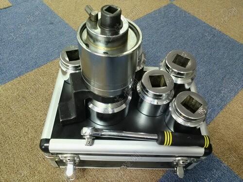 供应15000N.m(m60-m80)力矩扳手倍增器