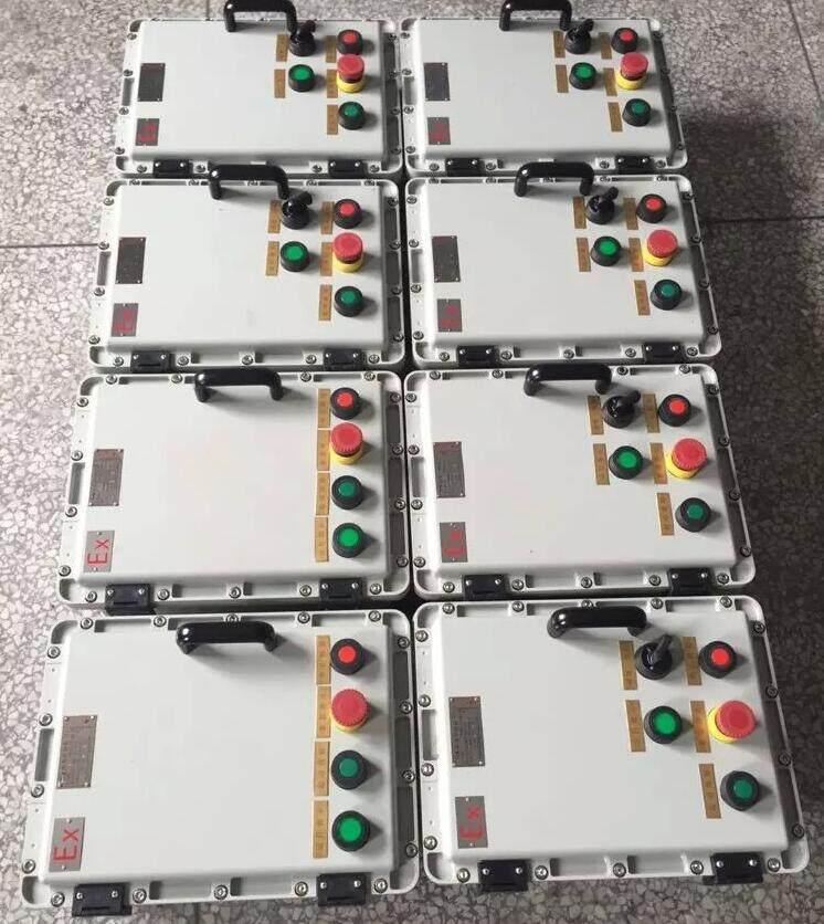 按钮防爆控制箱技术参数 执行标准:GB3836.1、GB3836.2、GB3836.3、IEC60079-0、IEC60079-1、IEC60079-7 防爆标志:ExdIIBT6、ExedIICT6、ExdeIIBT6/DIPA20TA,T6 额定电压:AC 220/380V 额定电流:10A 使用类别:AC-14 防护等级:IP54、IP65 防腐等级:WF1 引入口规格:G3/4-G11/2 适用电缆外径:9mm-28mm 防爆电器: 防爆操作柱、立式防爆操作柱、防爆照明配电箱、防爆动力配电箱、防
